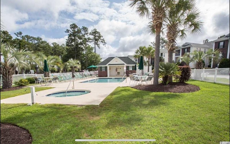 Beautifully Updated Golf Condo Has Air Conditioning And
