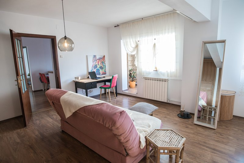 Wood's Friends Place, vacation rental in Bucharest