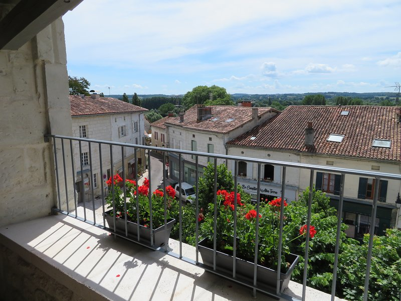 Bellevue Aubeterre, holiday rental in Bonnes