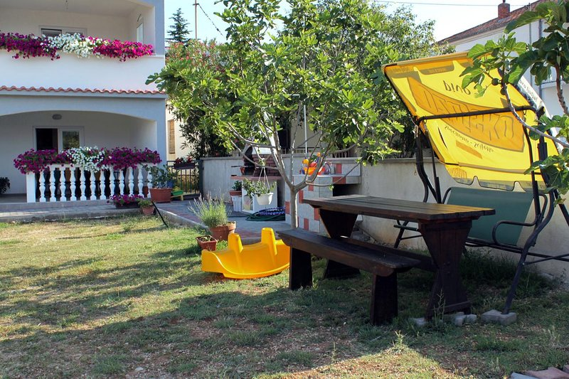 Seline Apartment Sleeps 3 with Air Con - 5466282, holiday rental in Seline