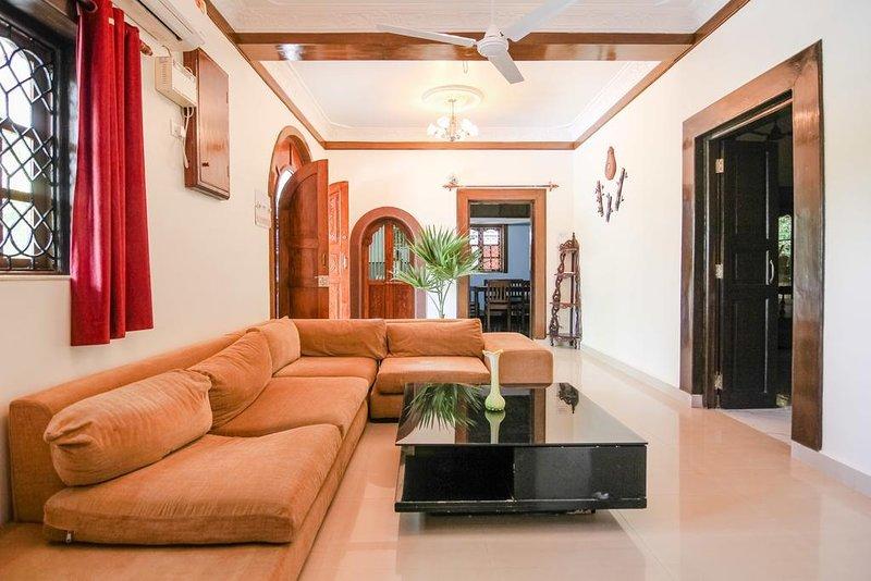 goa beach holidays goa bhk living room   TripAdvisor - Green Hill Villa- 6BHK Villa with Private ...