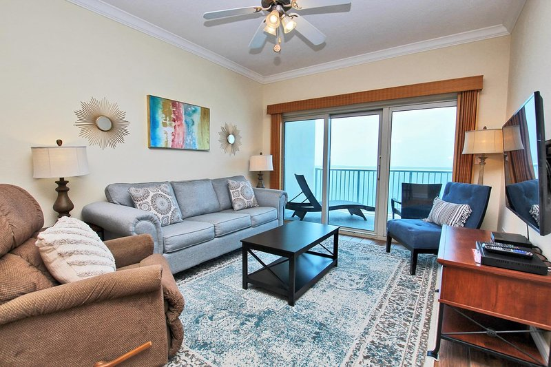 Crystal Tower 1608- Fall is Better at the Beach! Let Feet Touch the Sand and, holiday rental in Bon Secour