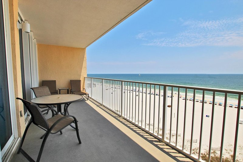 Gulf Front Balcony with Ocean Views!