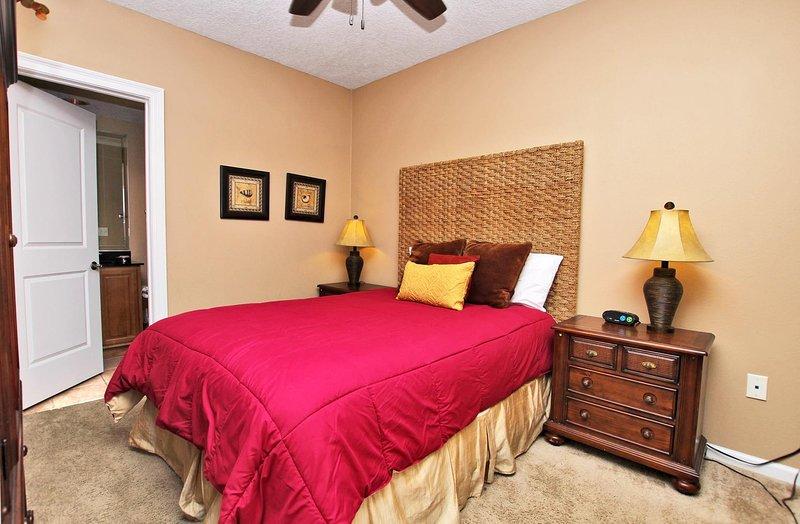 Dormitorio de invitados 1 con una cama de matrimonio