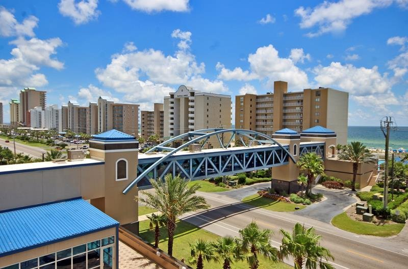 View of the Only Sky Bridge in Gulf Shores That's Located at Crystal Tower!