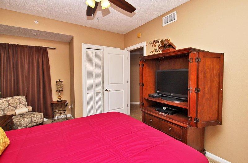 Dormitorio de huéspedes 1 Pantalla plana y área de estar