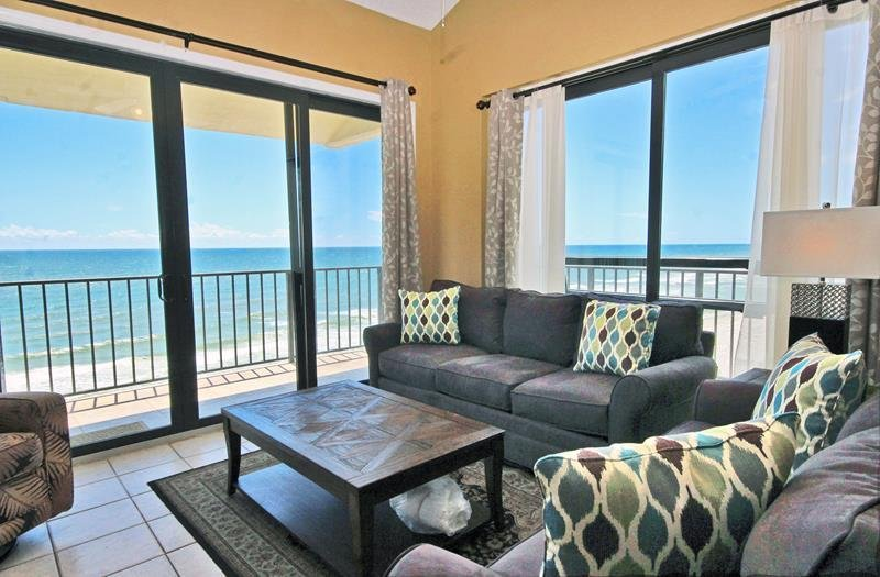 Lei Lani Tower 707 Overview Reviews Amenities Availability Map Living Room