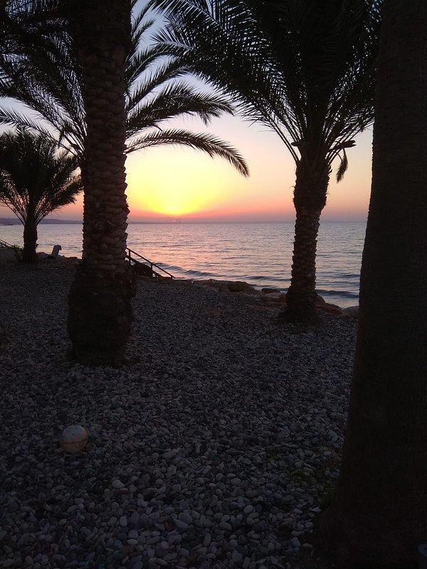 Lever du soleil tôt le matin