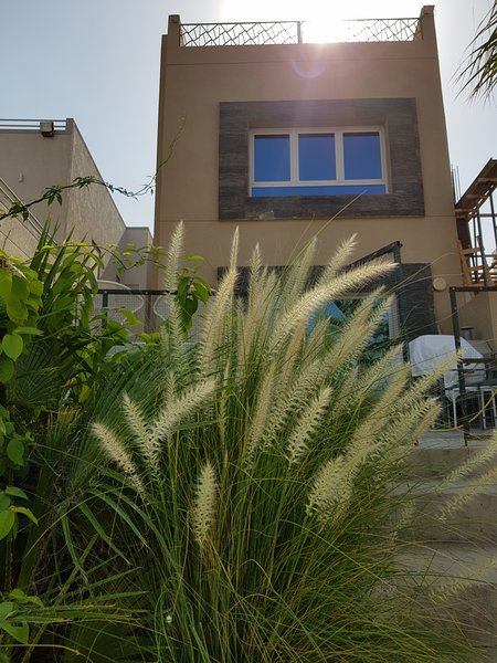 Baitalkhairan Beach House Chalet, holiday rental in Kuwait City