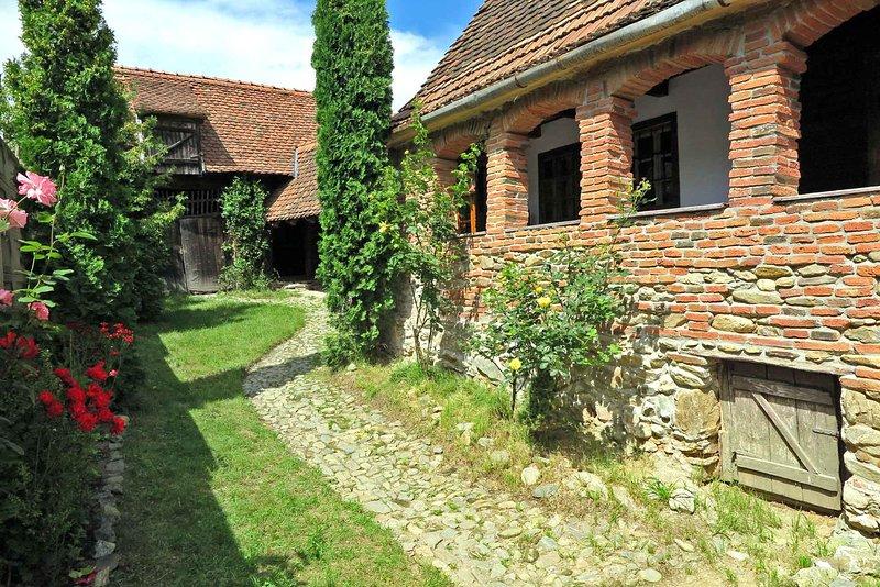 • Casa Lopo • Alquiler de la granja de vacaciones Rumania • Pueblo de los Cárpatos en Transilvania cerca de Sibiu