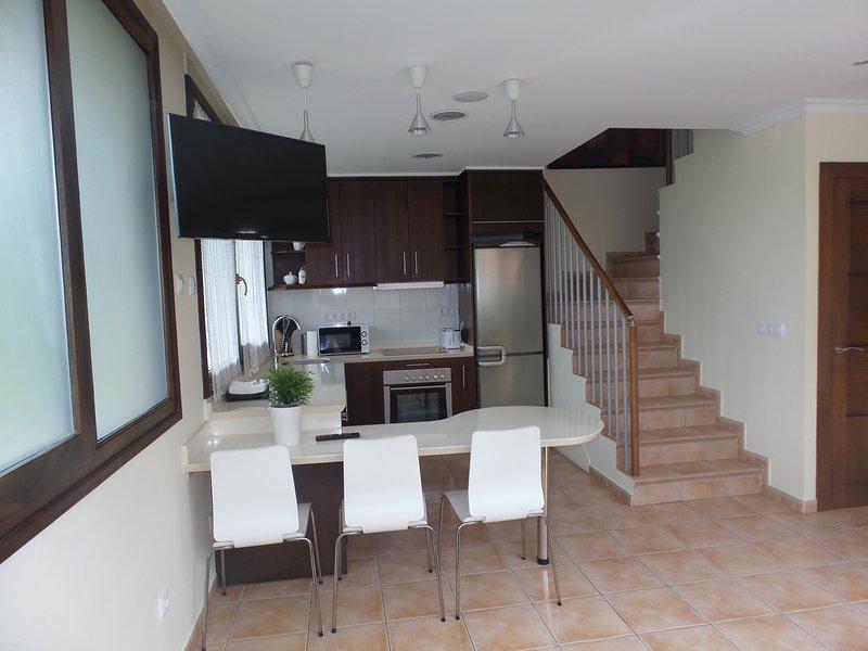 Apartamento en Poo de Llanes, holiday rental in Porrua