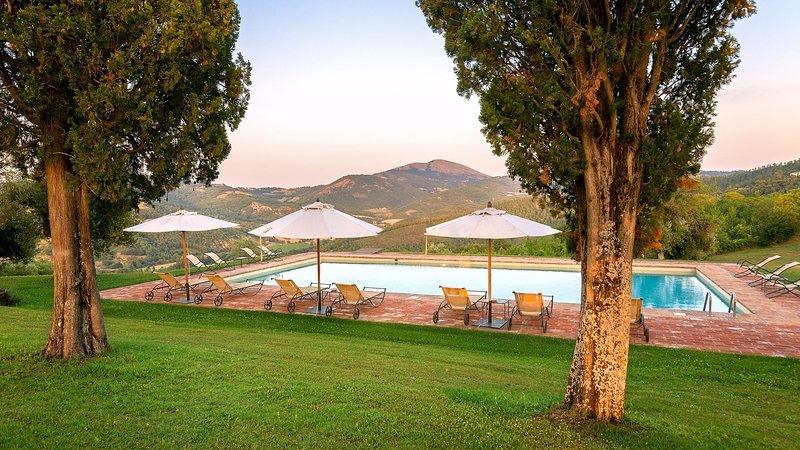 Luxury villa La sommità - ginestra, casa vacanza a Spedalicchio
