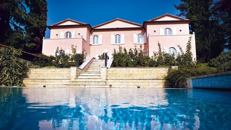 Luxury villa Cosante, location de vacances à Lazise