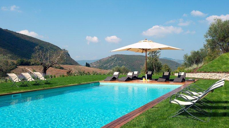 Luxury villa Carlino, holiday rental in La Bruna