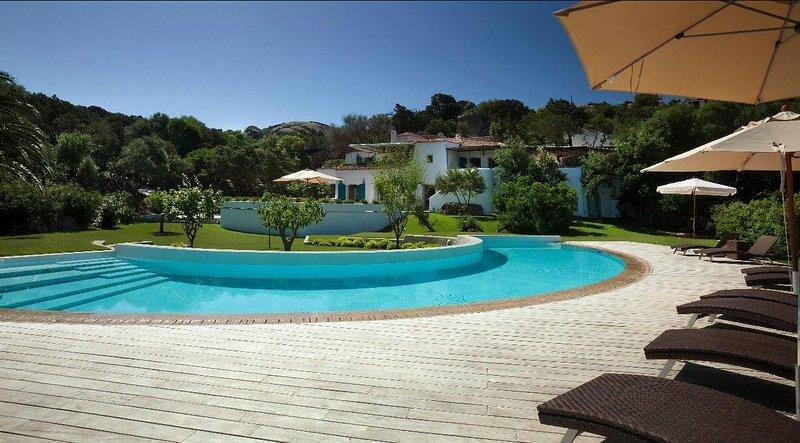 Luxury villa Riccio, vacation rental in Porto Cervo