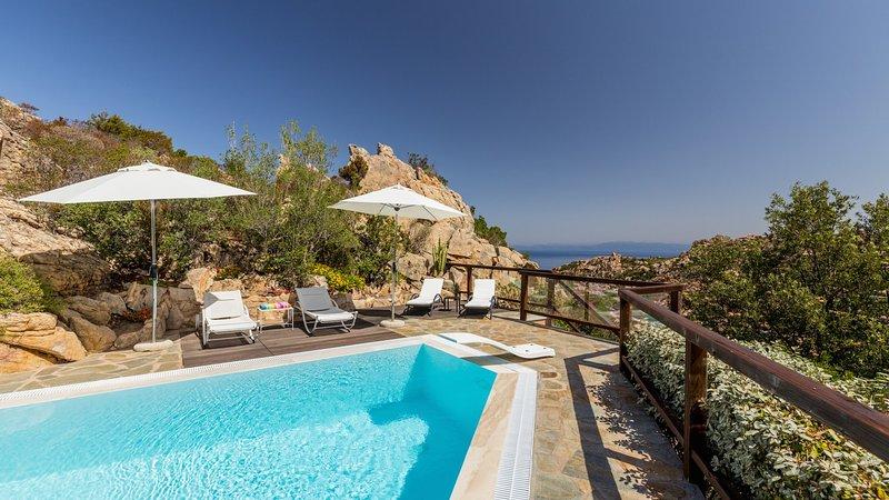 Luxury villa La Zagara, vacation rental in Costa Paradiso