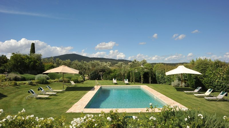 Luxury villa Rosabianca, holiday rental in Capalbio
