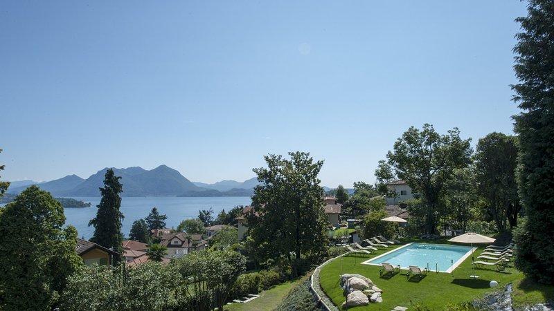 Luxury villa Elena, location de vacances à Fondotoce
