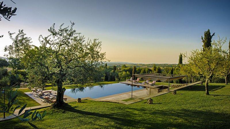Luxury villa Lunablu, holiday rental in Cetona