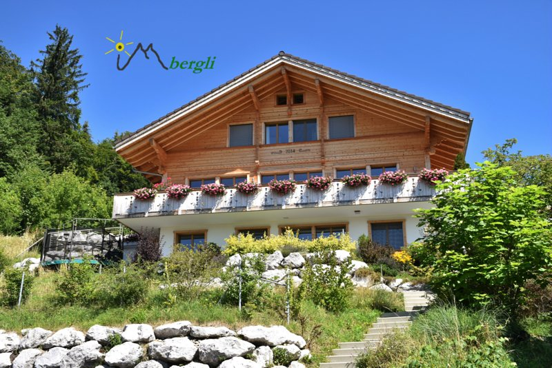 Chalet in Goldiwil (Thun), with stunning views – semesterbostad i Bigenthal