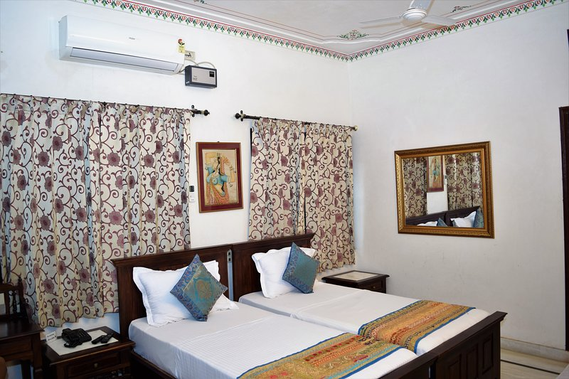 Sun Heritage Standard Room, holiday rental in Bhujra