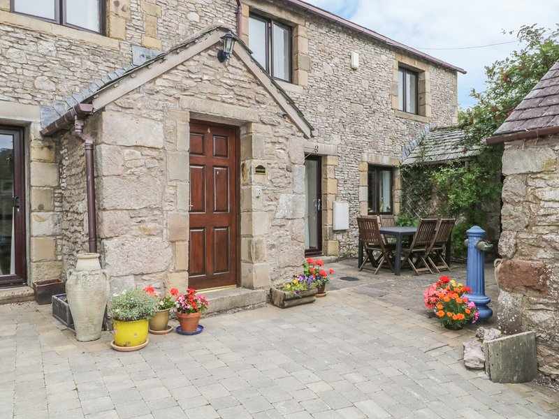 STONEGARTH COTTAGE, wi-fi, patio garden, parking. Ref: 972246, holiday rental in Bolton