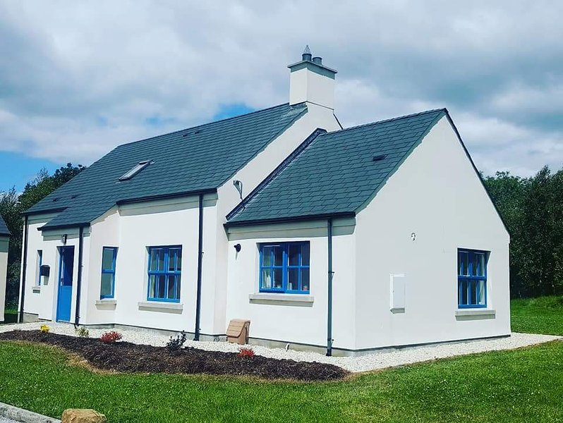 50 Kilmore Cottage Upper Lough Erne, holiday rental in Derrylin