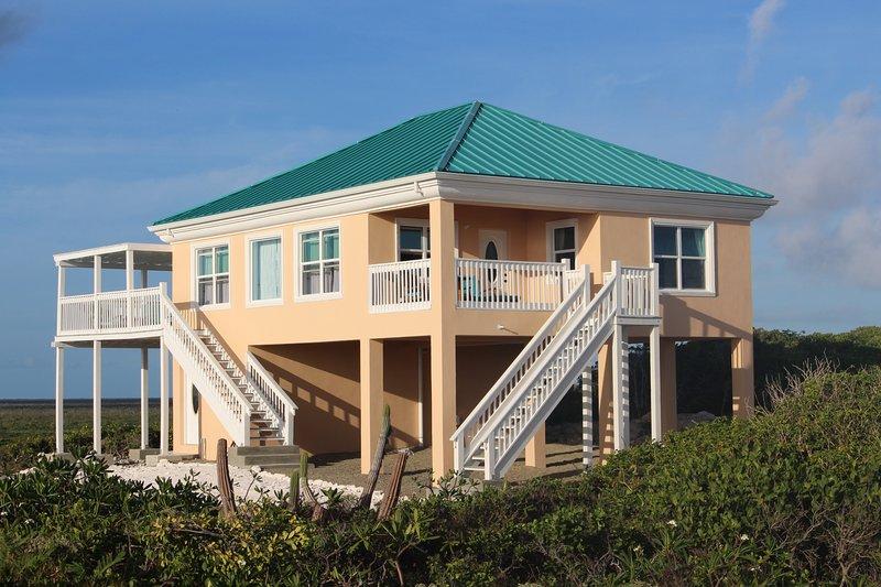 Far Away Villa - Mudjin Harbour, Middle Caicos, holiday rental in Bambarra