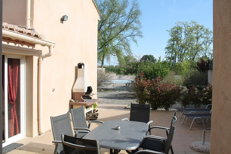 outdoor terrace cottage la lucque