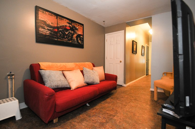 Newly Designed & Created Apt Mins From Center City, holiday rental in Glenside