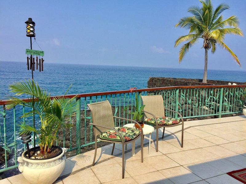 Koa Hale-Oceanfront Home 3 BR/3 BA Sleeps 8, vacation rental in Kailua-Kona