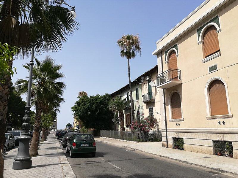 Guest House Via Marina A, alquiler de vacaciones en Regio de Calabria