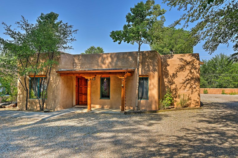 You'll get a real southwestern experience in this adobe-style home!