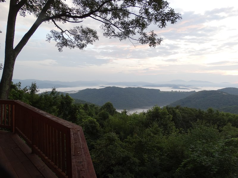 Life is Better in the Mountains at 'Skyline View!', holiday rental in Beech Mountain