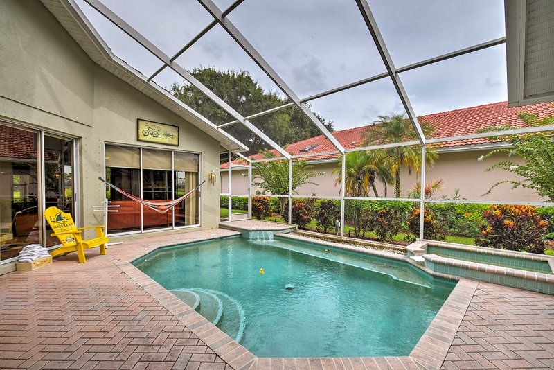 A picture-perfect Sarasota siesta awaits those who stay at this luxury home!