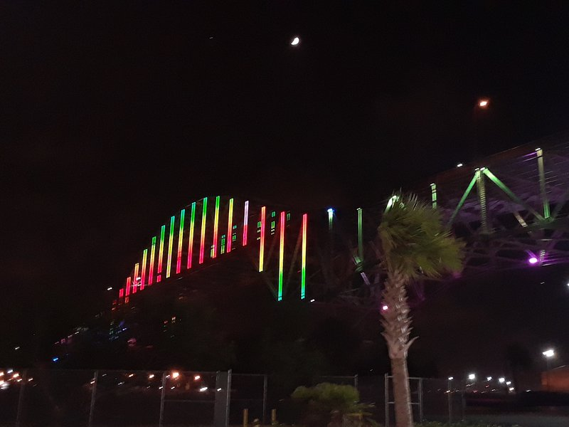 Harbor Bridge, always a cool light show