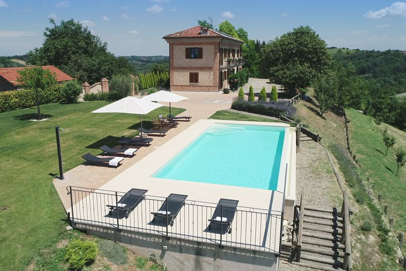Alta Villa The Countryhouse, vacation rental in Montegrosso d'Asti