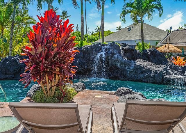 CLIFFS AT PRINCEVILLE #3201, BEAUTIFUL OCEAN-BLUFF RESORT, FREE WIFI KING BED, vacation rental in Princeville