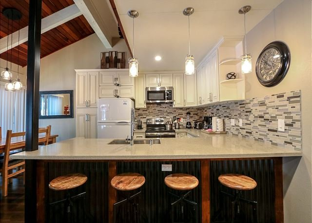 Deluxe, Completely Remodeled and Located Next to Sierra Star Golf Course, vacation rental in Mammoth Lakes