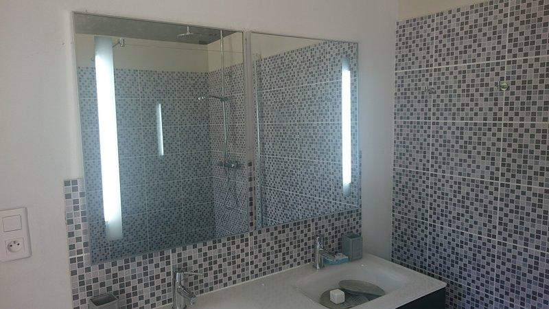 Hoofdslaapkamer badkamer