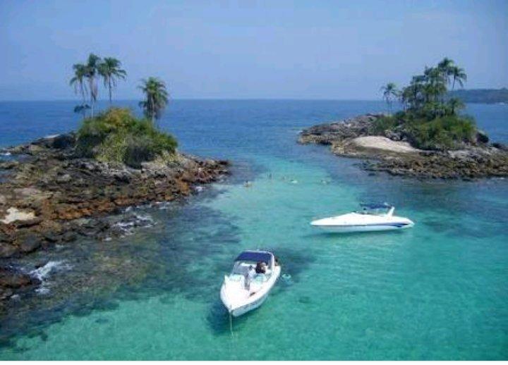 Angra dos Reis Botinas Island