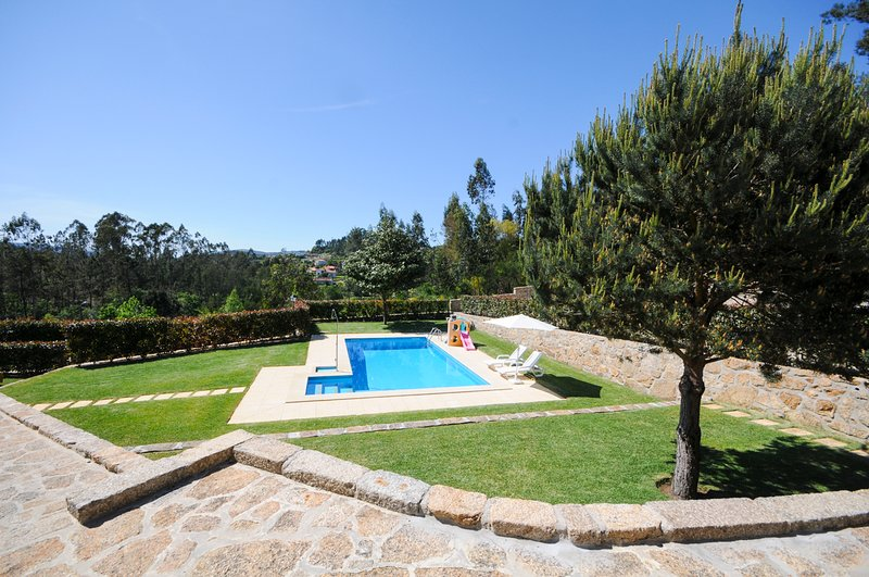 Panque Villa Sleeps 8 with Pool - 5658328, holiday rental in Barcelos