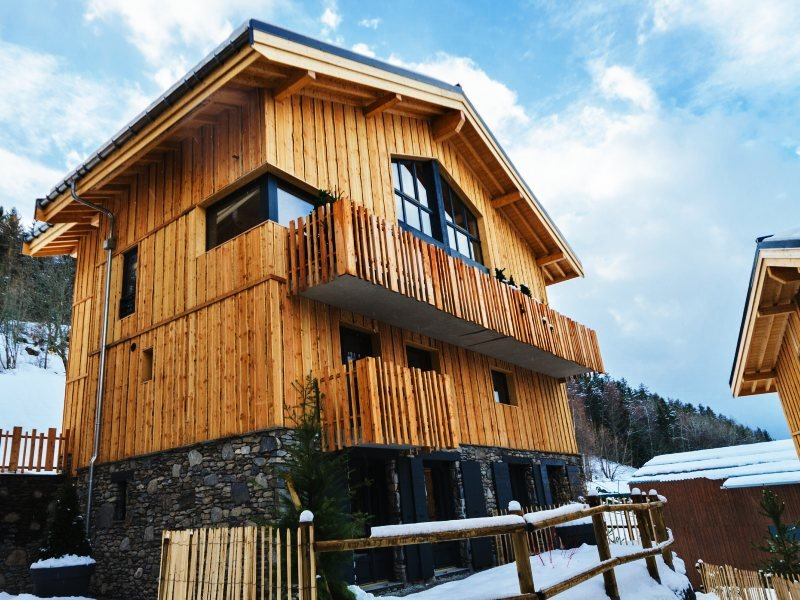 Chalet Chocolat, spacious ski chalet, right by ski lift, hot tub, fabulous views, location de vacances à Montchavin