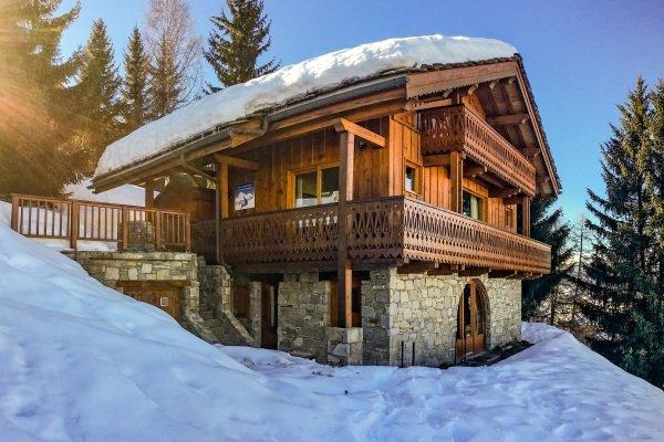 Luxury Chalet Pisteside, ski-in/ski-out, hot tub, fantastic views, La Plagne, holiday rental in Savoie