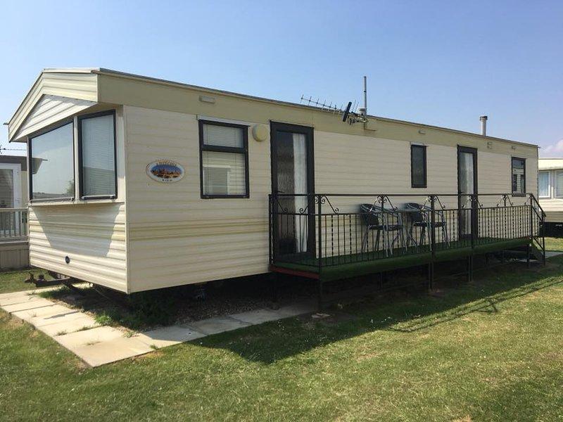 3 Bedroom 8berth Spacious Caravan to Rent, Ingoldmells, vacation rental in Ingoldmells