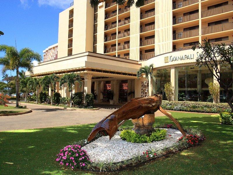 Ocean front Resort*Spacious first floor one bedroom one bath partial ocean view, location de vacances à Ka'anapali
