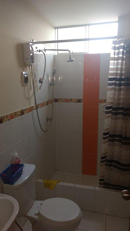 Salle de bain privée de la chambre 1