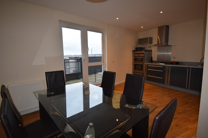 Shortletting by Centro Apartments - The Pinnacle NN - No. 193, holiday rental in Weedon