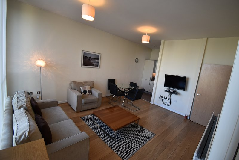 Shortletting by Centro Apartments The Hub MK - No. 11, holiday rental in Whaddon