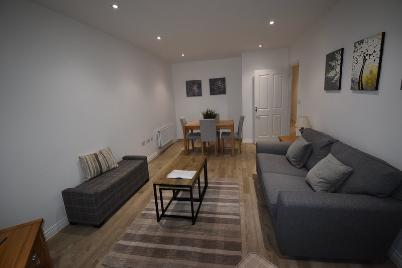 Shortletting by Centro Apartments Campbell Sq MK - No. 9, holiday rental in Newport Pagnell